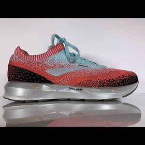 """Brooks Levitate 2 """"Coral"""" Running Shoes Womens 8.5"""